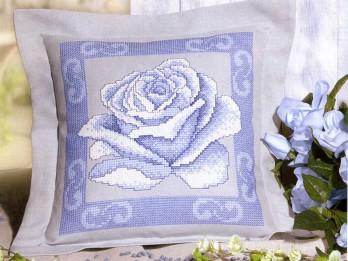 Izšūšanas shēmas ar rozēm taviem rokdarbiem
