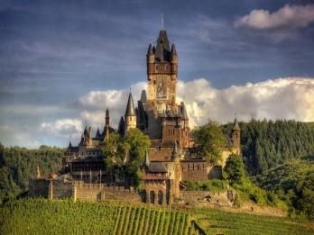 20 pasakainas pilis, kuras ir vērts redzēt