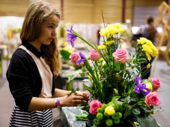 Sajūti pavasari ziedu kompozīcijās un līgavu dekoros!