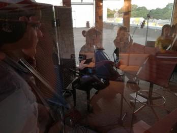 Video: Izdots jauns populāru dziesmu instrumentālo versiju albums