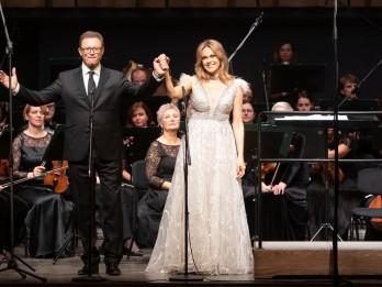 """Koncertzālē """"Cēsis"""" izskanējis Andrejam Žagaram veltīts koncerts"""