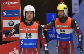 Četras medaļas divās dienās - Latvijas kamaniņu sportistiem ražīgs PK posms