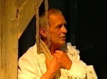 """Video: Jubilāru suminot! Ekskluzīvs Paula Butkēviča mūzikla """"Bendes meitiņa"""" videoieraksts"""