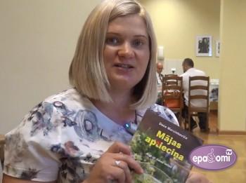"""Video: Izdota grāmata """"Mājas aptieciņa. Augi un dabas veltes"""""""