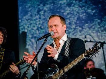 """Video: Guntars Račs prezentē """"365"""" 2. daļu un """"Saldās sejas"""" koncerttūri"""