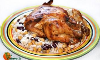 Grilēts cālis ar rīsiem, pupiņām un turku zirņiem