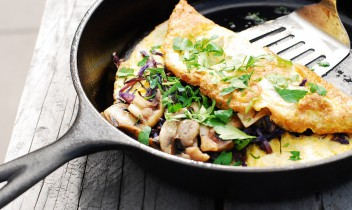 Pieneņu lapu un sēņu omlete