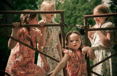 """Simtgades programmā sāk filmēt Madaras Dišleres ģimenes filmu """"Paradīze '89"""""""