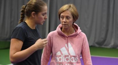 Ostapenko sadarbosies ar austrāliešu treneri Teiloru un par servi neuztraucas