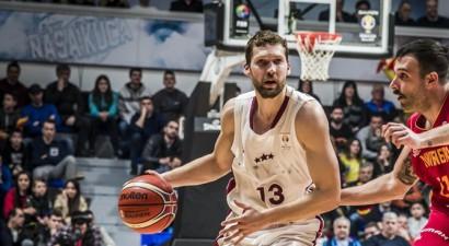 Dikaioulaku un Strēlnieks nosaukti par šī gada Latvijas labākajiem basketbolistiem