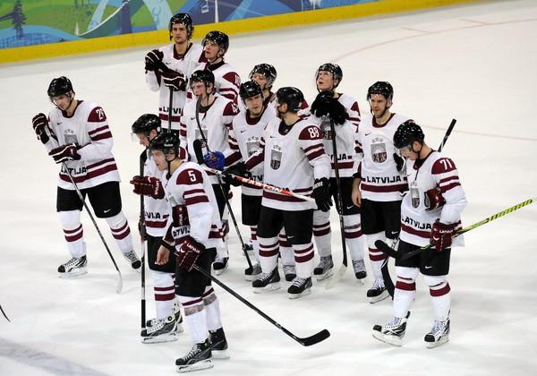 Izvērtē hokejistu sniegumu Vankūverā