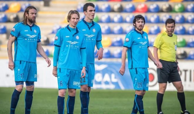 """""""Riga FC"""" vairākumā <i>noparko busu</i>, taču atkal izlaiž divu vārtu pārsvaru pret """"Jelgavu"""""""