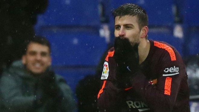 """Pikē varētu nespēlēt mēnesi, """"Atletico"""" paliek bez diviem aizsargiem"""