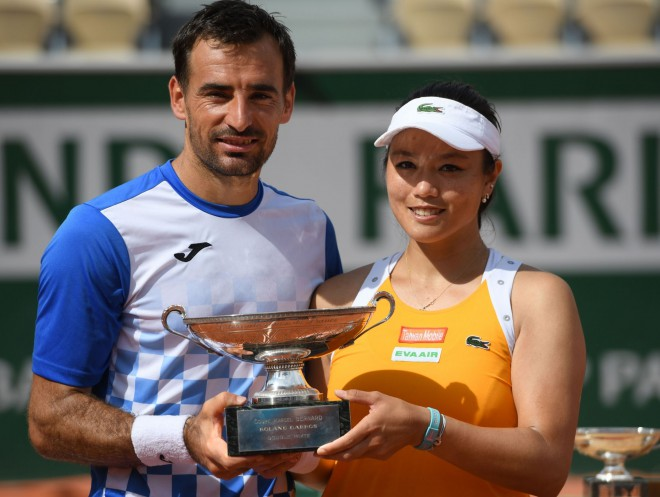 """French Open"" jauktajās dubultspēlēs uzvar Dodigs un Latiša Čana"