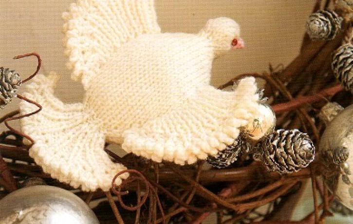 Ziemassvētku rotājums- adīta baltā ūbele