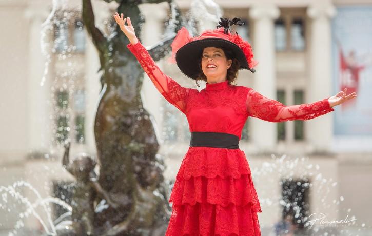 Jūgendstila tērpu parādē modeļu lomā iejutīsies sabiedrībā pazīstamas dāmas