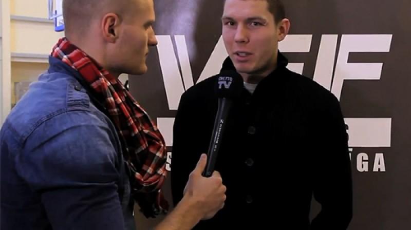 """""""VEF Rīgas skolu superlīgas"""" 8. apskatā arī saruna ar """"VEF Rīgas"""" basketbolistu Dairi Bertānu"""
