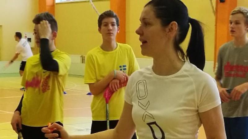 """Rubene/KSS"" komandas trenere Linda Līce"