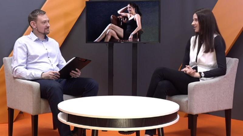 Jānis Freimanis un Kristīne Vītola. Foto: Ekrānuzņēmums