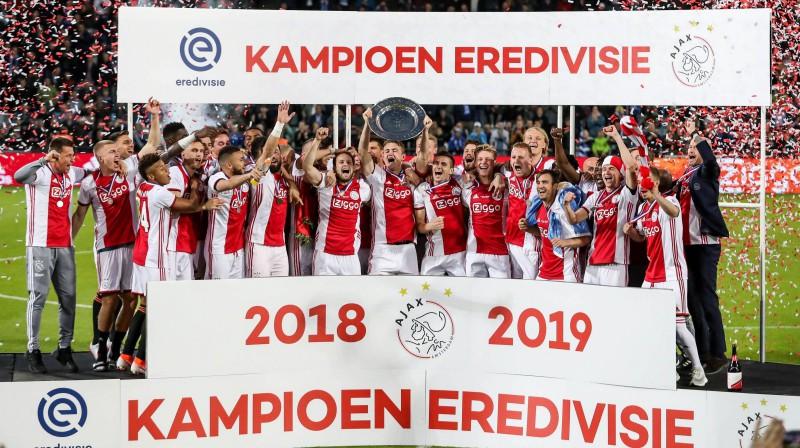 """Amsterdamas """"Ajax"""" futbolisti priecājas par Nīderlandes čempionu titulu. Foto: imago images / Pro Shots / Scanpix"""