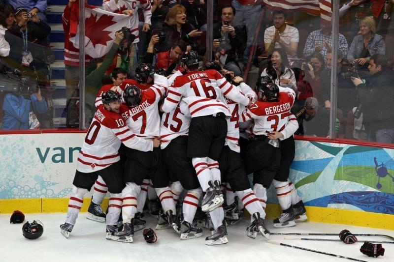 Pēdējais zelts tiek Kanādas hokejistiem