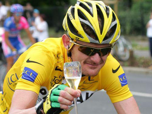 """Lendiss: Ārmstrongs lietoja dopingu """"Tour de France"""" laikā"""