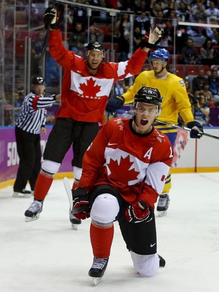 Kanādas hokejisti dominē un finālā sakauj Zviedriju
