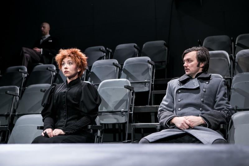 """Valmieras teātris uz Rīgu ved A.Strindberga """"Nāves deju"""""""