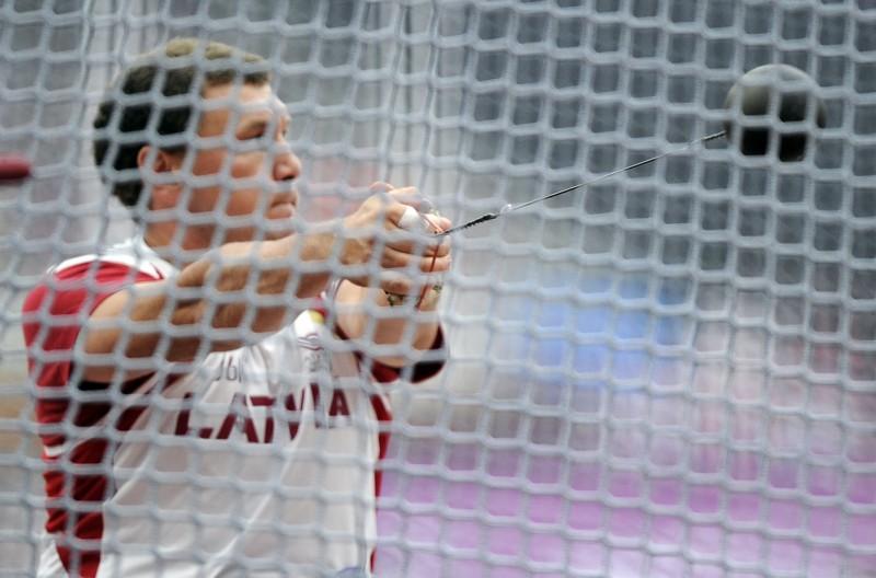 Sokolovs 15. gadu pēc kārtas kļūst par Latvijas ziemas čempionu vesera mešanā