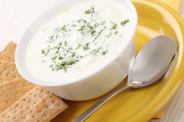 Aukstā piena zupa ar rabarberiem