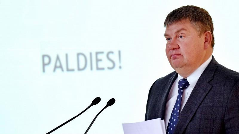 Lipmanu nomet no troņa, par Latvijas hokeja vadītāju kļūst Kalvītis