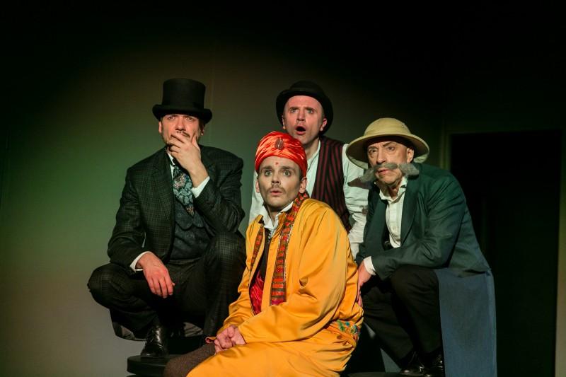 """Valmieras teātris ar izrādi visai ģimenei  """"80 dienās apkārt zemeslodei"""" viesosies Rīgā"""