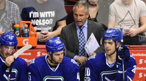 """NHL priekšpēdējā vietā palikusī """"Canucks"""" atlaiž galveno treneri Dežardēnu"""