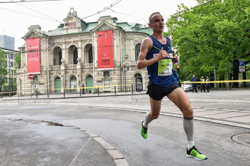 Žolnerovičs Rīgā labo Latvijas rekordu maratonā, ātrākais - kenijietis