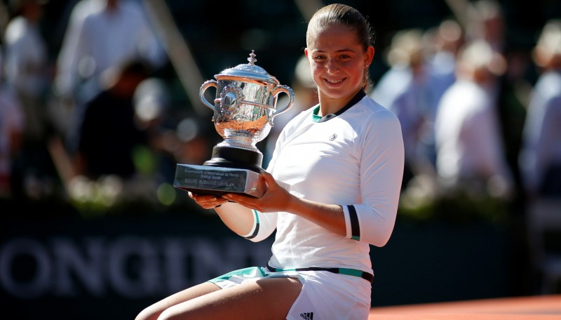 """Ostapenko čempione tikai astotajā """"Grand Slam"""" turnīrā un citi fakti"""