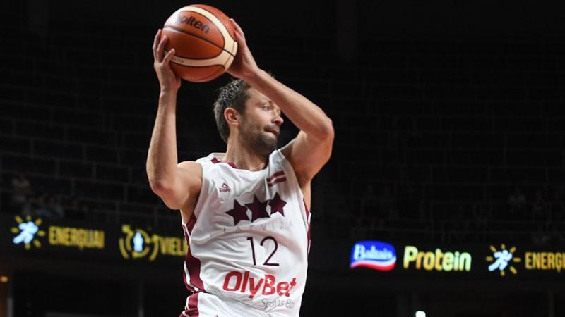 Ilggadējais izlases spēlētājs Janičenoks pēc sezonas beigs karjeru