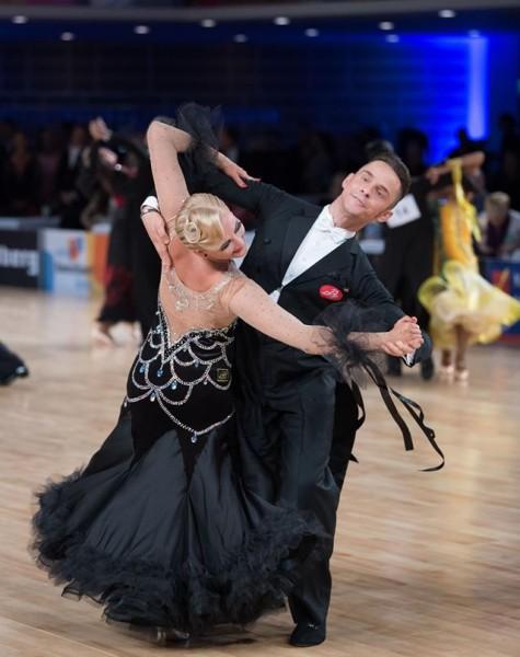Latvijas pārim pusfināls Eiropas čempionātā 10 dejās