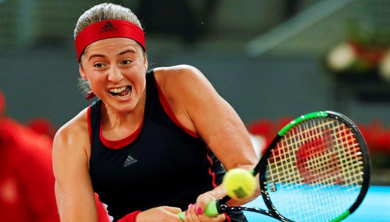 WTA rangā kritienus piedzīvojušās Ostapenko un Sevastova šodien viena pret otru dubultspēlē
