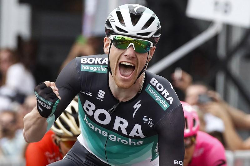 """Benets uzvar """"Giro d'Italia"""" septītajā posmā, Neilands finišē otrajā simtā"""