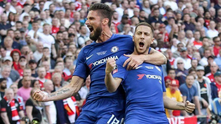"""Žirū gūst hat-trick """"Chelsea"""" graujošā uzvarā, """"Valencia"""" izlien caur adatas aci"""