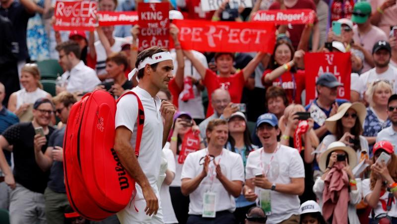 Federers kruīzā, ar mačbumbu zaudējušais Karlovičs līdz viņam netiek