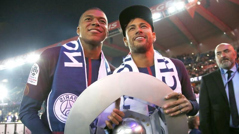 Sezona sāksies arī Francijā: vai kāds apturēs Neimāra un Mbapē skrējienu pēc titula?