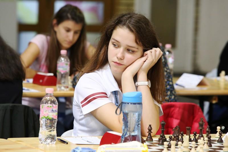 Latvijas šahistiem Eiropas jauniešu čempionāta pirmajā dienā 19 uzvaras