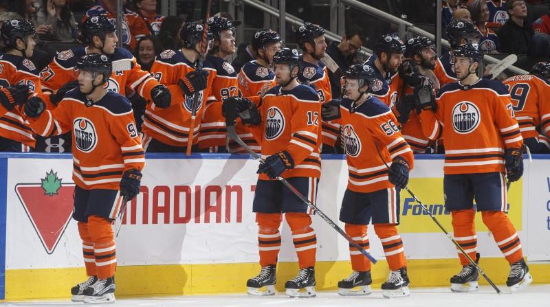 """Jamamoto un Raflam divi vārti, """"Oilers"""" sestā uzvara septiņās pārbaudes spēlēs"""