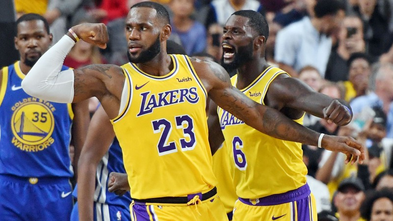 """Daudzsološā """"Lakers"""" komanda uzvar NBA čempioni """"Warriors"""""""