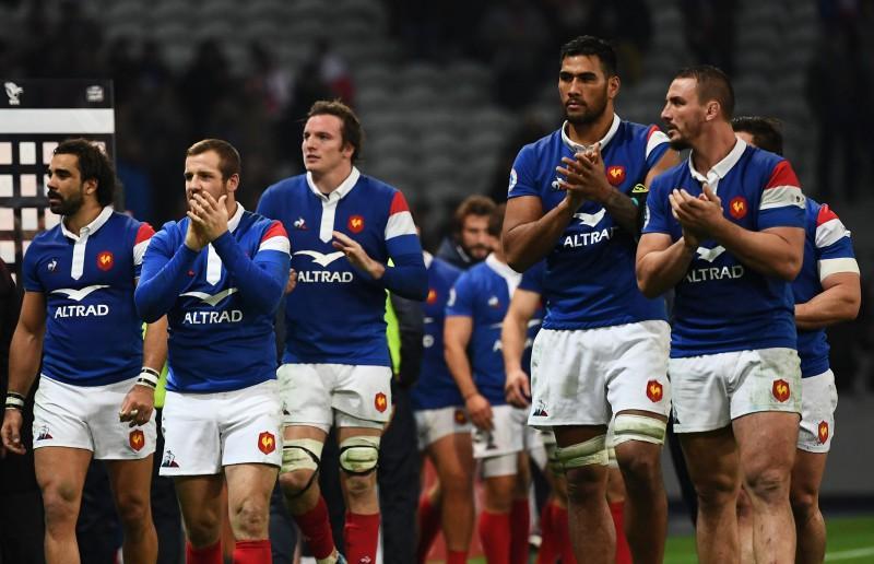 Francijas regbisti uz maču ar Fidži izies ar varavīksnes krāsu šņorēm