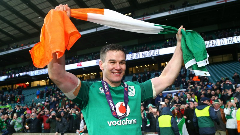 Gada labākais regbists Sekstons paliks Īrijā līdz 2021. gadam