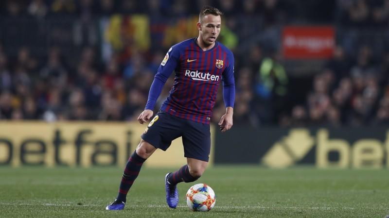 """""""Barcelona"""" smagā un svarīgā sezonas posmā paliek bez labā formā esošā Artura"""