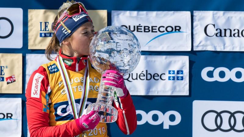 Norvēģu slēpotāji Ēstberga un Klēbo izcīna Lielos kristāla globusus