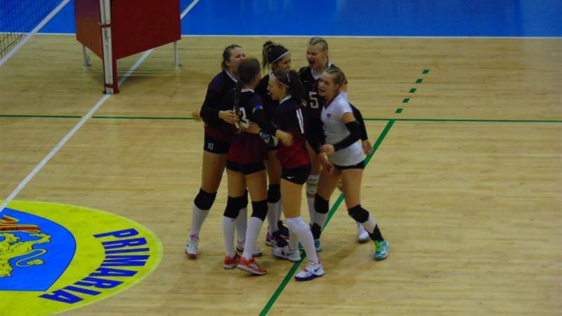 U16 meiteņu un U17 puišu volejbola izlases paliek bez uzvarām EČ atlasē